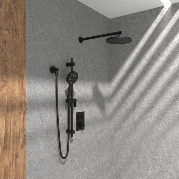 KIT-NOB145TS2DBTMB robinet de douche noir mat dans une douche en pierre et mur bois