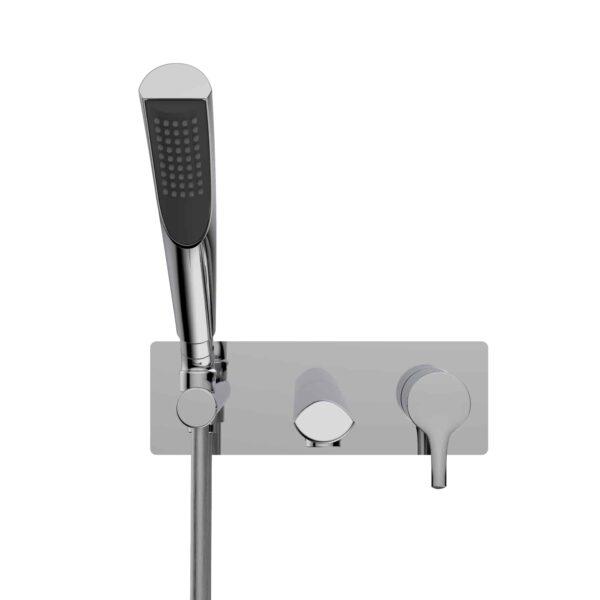 NOB47TCP robinet de baignoire mural chrome poli sur fond blanc - de face